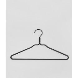 cintres bois gohe the hanger company. Black Bedroom Furniture Sets. Home Design Ideas